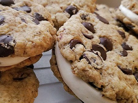 Chocolate-Chip-Cookiewich